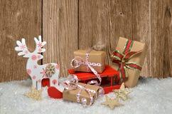 Fondo de madera de la Navidad de la nieve Foto de archivo