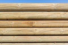Fondo de madera de la pared de postes Fotografía de archivo