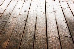 Fondo de madera del suelo con nieve Imagenes de archivo