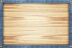 Fondo de madera enmarcado en un marco del dril de algodón Imágenes de archivo libres de regalías