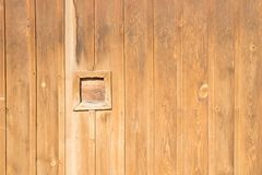 Fondo de madera de la pared de madera de Brown Imágenes de archivo libres de regalías