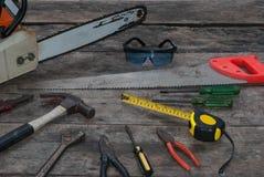 Fondo de madera rústico de las herramientas Fotos de archivo libres de regalías