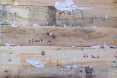 Fondo de madera Textura, la superficie de los viejos tableros de la madera natural con palabras y números Imagenes de archivo