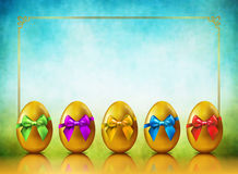 Fondo de oro de los huevos ilustración del vector