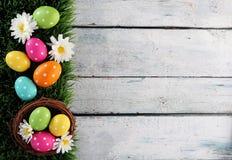 Fondo de Pascua con la hierba Fotografía de archivo