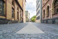 Fondo de piedra de la calle del adoquín, Colonia, Alemania Imagenes de archivo