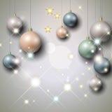 Fondo de plata con las chucherías de la Navidad imagenes de archivo