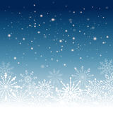 Fondo de plata del extracto del invierno La Navidad con los copos de nieve Vector Fotos de archivo