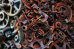 Fondo de Steampunk, máquina y partes mecánicas, engranajes grandes y cadenas de las máquinas y de los tractores imágenes de archivo libres de regalías