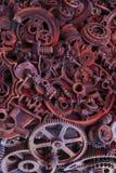 Fondo de Steampunk, piezas de la máquina, engranajes grandes y cadenas de las máquinas y de los tractores imagen de archivo