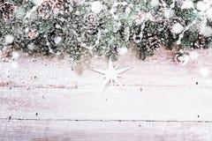 Fondo decorativo de la Navidad con nieve Fotos de archivo