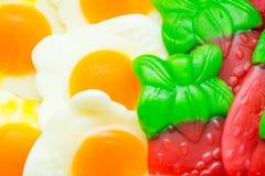 Fondo dei fagioli di gelatina assortiti colorati multi, masticante il primo piano delle caramelle fotografie stock libere da diritti