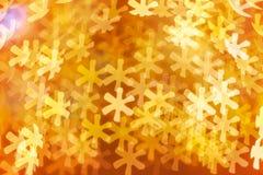 Fondo dei fiocchi di neve dorati Fotografia Stock Libera da Diritti