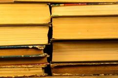 Fondo dei molti libri Fotografie Stock Libere da Diritti
