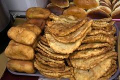 Fondo dei patè e del belyashi deliziosi freschi delle torte Fotografie Stock Libere da Diritti