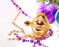 Fondo del Año Nuevo con las bolas de la decoración Fotos de archivo libres de regalías