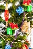 Fondo del Año Nuevo con las decoraciones del color Fotos de archivo libres de regalías