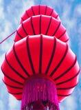 Fondo del Año Nuevo de la linterna roja china y del cielo Fotografía de archivo libre de regalías