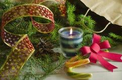 Fondo del Año Nuevo y de la Navidad con las velas Imagenes de archivo