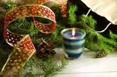 Fondo del Año Nuevo y de la Navidad con las velas Imagen de archivo