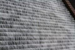 Fondo del agua que conecta en cascada abajo de la presa de Avon, Dartmoor Fotografía de archivo libre de regalías