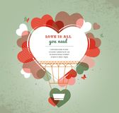 Fondo del amor - globo del aire caliente de la forma del corazón Fotos de archivo