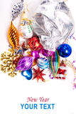 Fondo del Año Nuevo con las decoraciones coloridas Imágenes de archivo libres de regalías