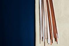 Fondo del Aromatherapy con los palillos foto de archivo
