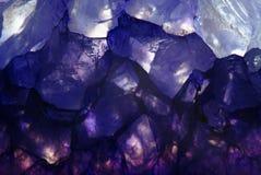 Fondo del azul del macroshot de la amatista Imagen de archivo