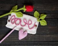 Fondo del biglietto di S. Valentino, cuore, giorno di biglietti di S. Valentino, regalo, fatto a mano Immagine Stock