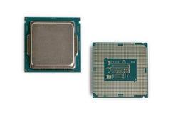 Fondo del blanco de los microprocesadores de procesador del ordenador Fotos de archivo