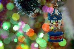 Fondo del bokeh del cavallo del giocattolo del nuovo anno fotografie stock