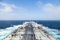 Fondo del buque de petróleo durante el clima tempestuoso Fotos de archivo