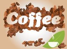 Fondo del café con la taza de café y los granos de café, vector Foto de archivo libre de regalías