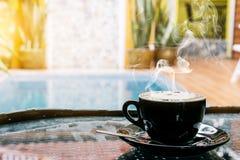 Fondo del café, visión superior con el espacio de la copia fondo, taza de café y mañana del humo de una buena, café caliente y cu fotografía de archivo