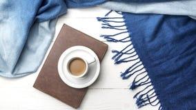 Fondo del café y de la bufanda Imagen de archivo