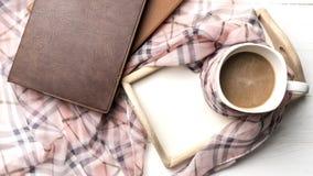 Fondo del café y de la bufanda Imagenes de archivo