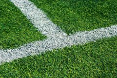 Fondo del campo de fútbol de la hierba verde, opinión superior del primer foto de archivo libre de regalías