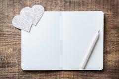 Fondo del carte cadeaux del amor del día de fiesta del día de tarjetas del día de San Valentín Foto de archivo libre de regalías