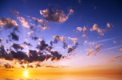 Fondo del cielo en salida del sol Fotos de archivo