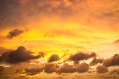 Fondo del cielo y de la nube de la puesta del sol Imagen de archivo libre de regalías