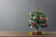 Fondo del concepto del árbol de abeto de la Feliz Navidad Fotos de archivo libres de regalías