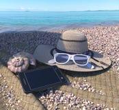 fondo del concepto de las vacaciones con los accesorios de la concha marina, del iphone y de la playa Fotos de archivo libres de regalías