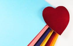 Fondo del cuore del taglio della carta immagine stock