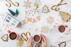 Fondo del día de fiesta del Año Nuevo de la Navidad con la decoración festiva Imagen de archivo