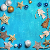 Fondo del día de fiesta de la Navidad o del Año Nuevo sobre el contexto de madera Imagen de archivo