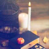 Fondo del día de fiesta de Halloween con la calabaza y el caramelo Visión desde arriba Fotos de archivo libres de regalías