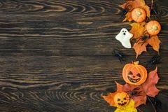 Fondo del día de fiesta de Halloween con las galletas Fotografía de archivo libre de regalías