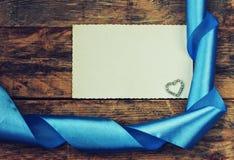Fondo del día de tarjeta del día de San Valentín, cinta, corazón Fotografía de archivo libre de regalías