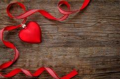 Fondo del día de tarjeta del día de San Valentín con los corazones Foto de archivo libre de regalías